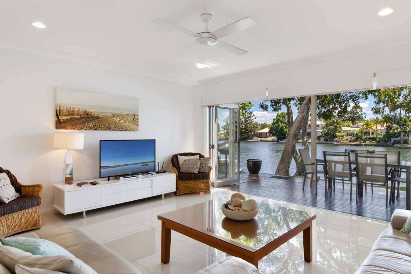 A stylish house in Noosa waters